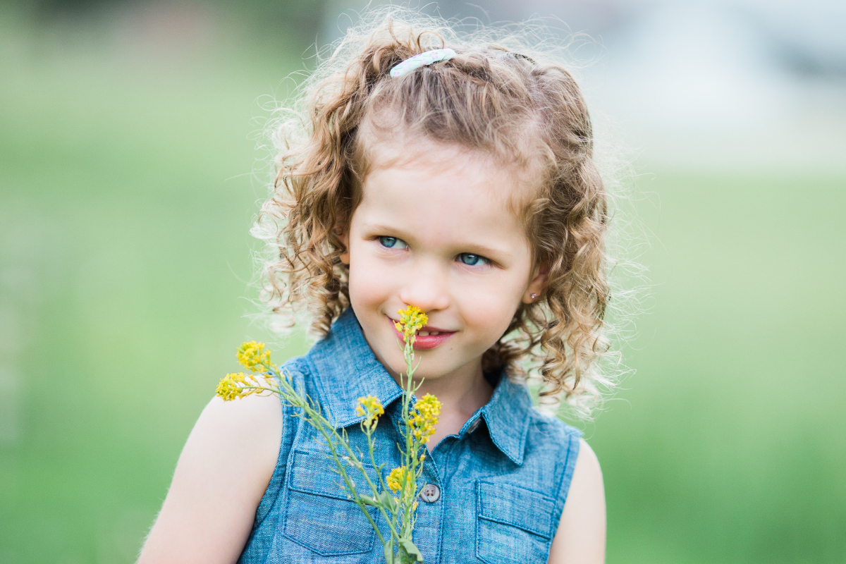 five year old girl with curly hair | cleveland, ohio lifestyle family photographer