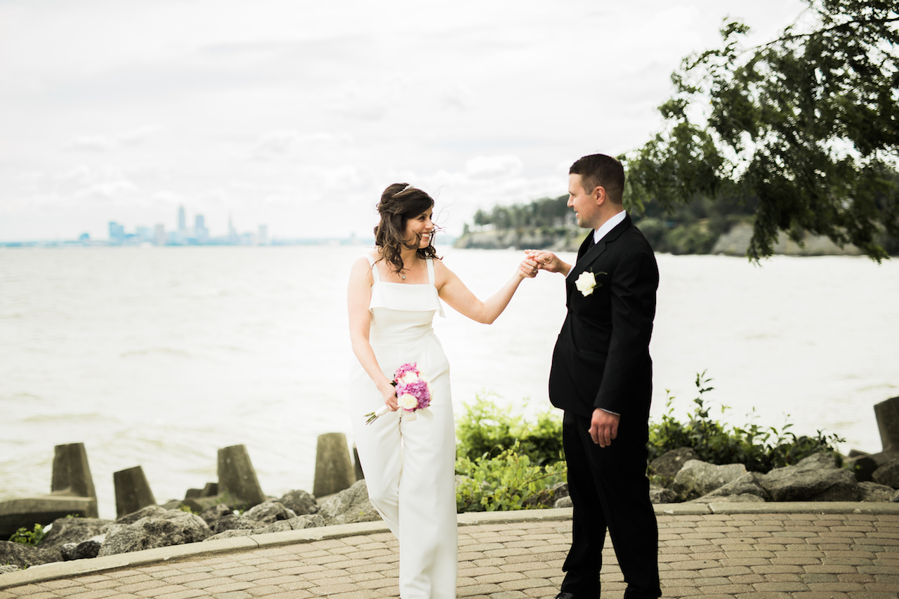 bride and groom dancing in lakewood park | cleveland ohio wedding photographer