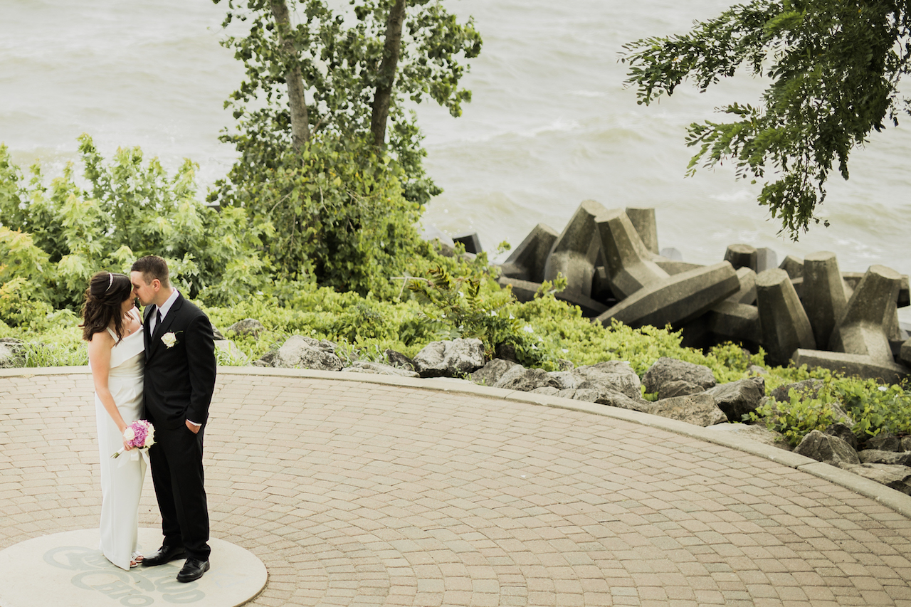 newly weds dancing in the park | cleveland ohio wedding portraits
