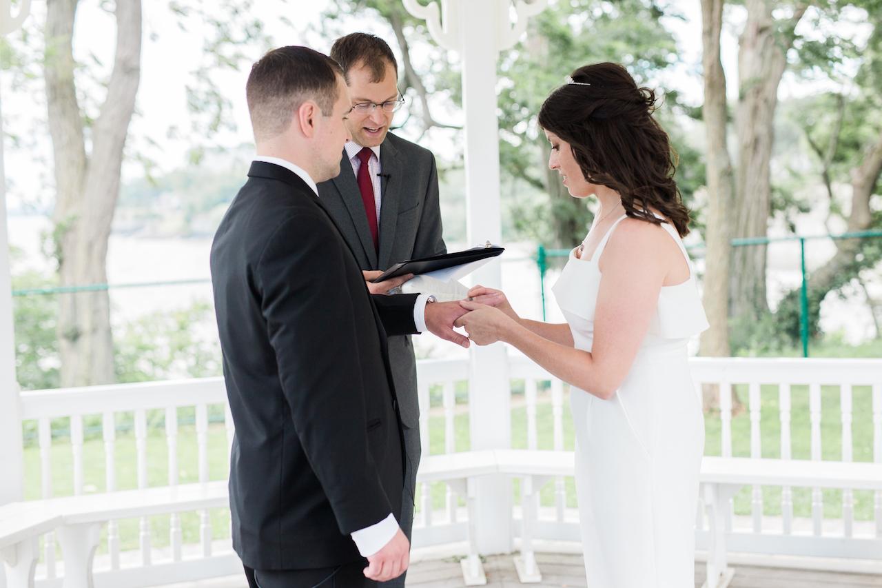 lakewood park wedding ceremony | cleveland ohio lifestyle photographer