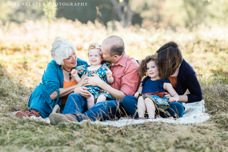 grandmother and family in the park | cleveland, OH lifestyle photographer