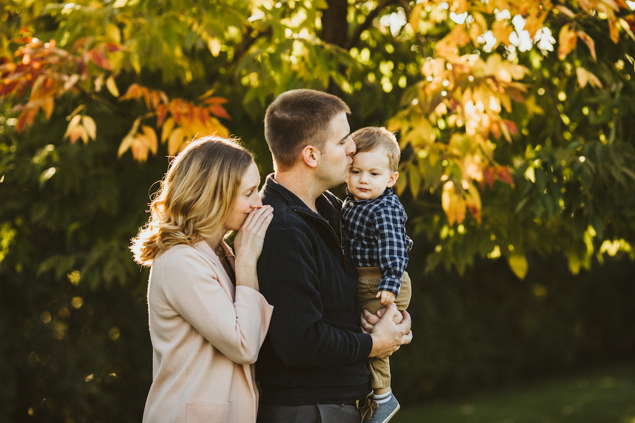 fall in Beachwood, Ohio | Cleveland Family Photographer