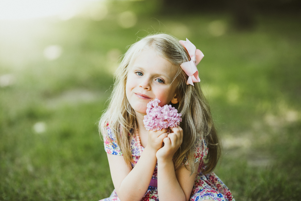beautiful little girl holding pink hydrangea | Cleveland, OH family photographer
