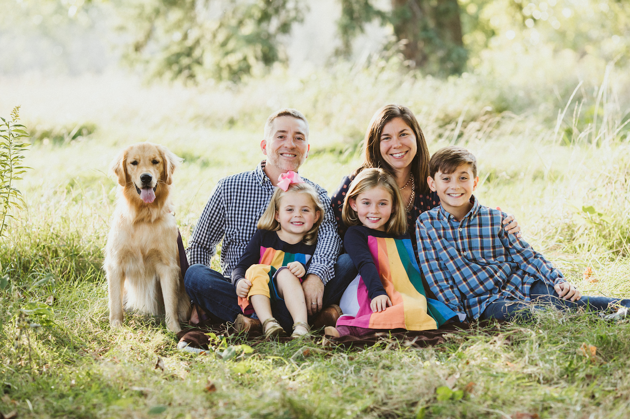photographs with family pet dog from Shaker Hts | Cleveland, OH family photographer