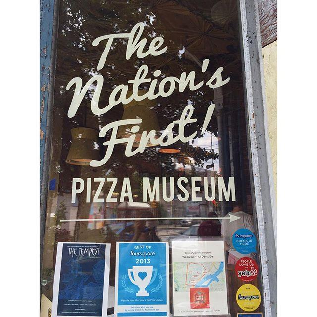 new window vinyl for the nation's first pizza museum 🍕 #vinylcutter #pizzabrain #fishtown #sign #vinylsign
