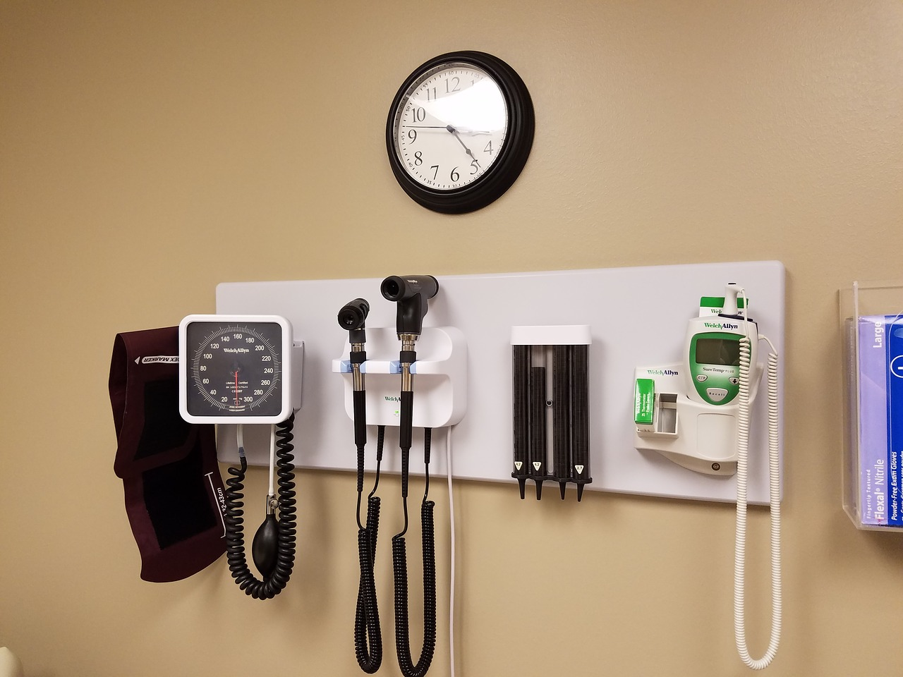 doctors-office-2610509_1280.jpg