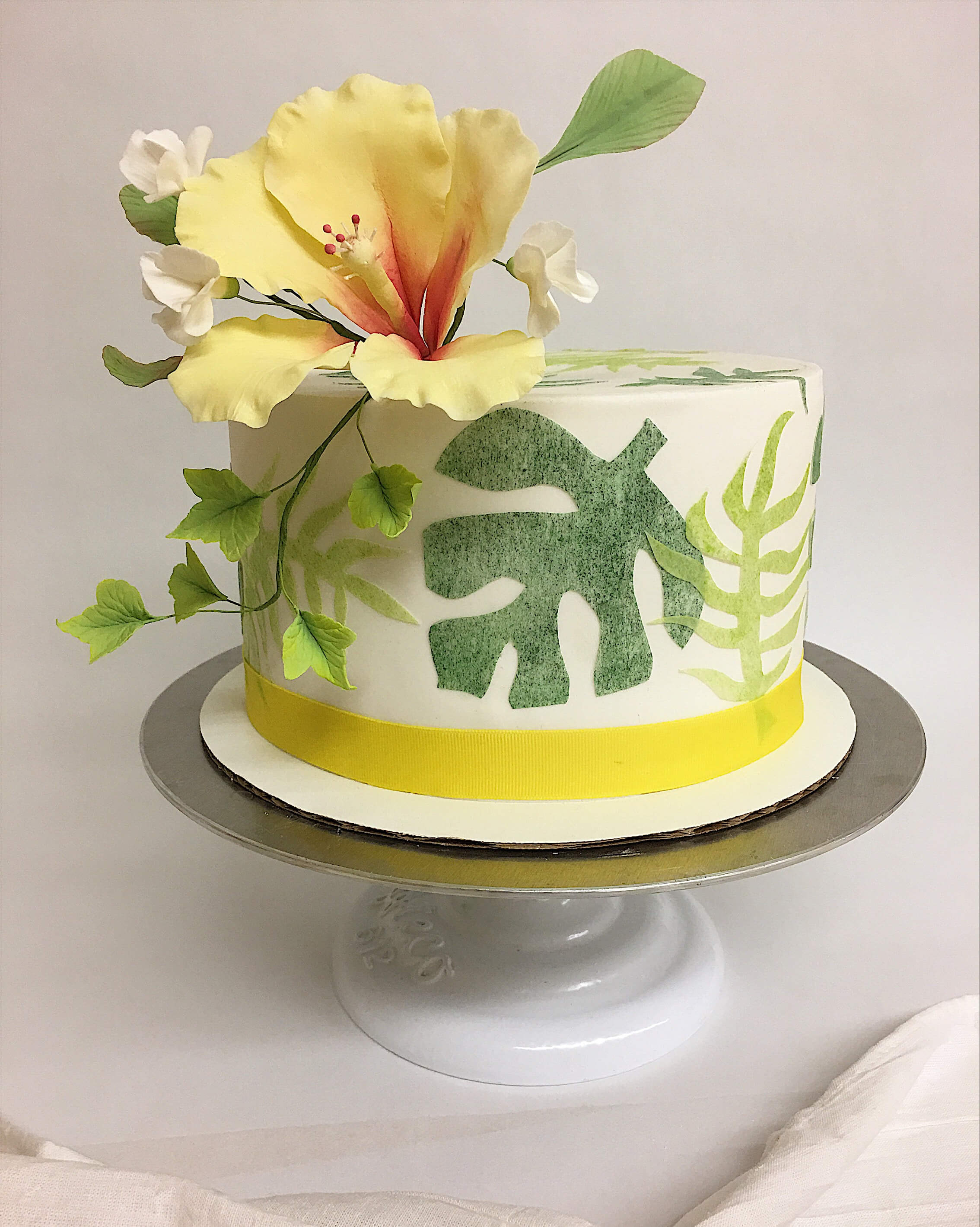 wafer paper tropical cake sugar hibiscus monstera.jpg