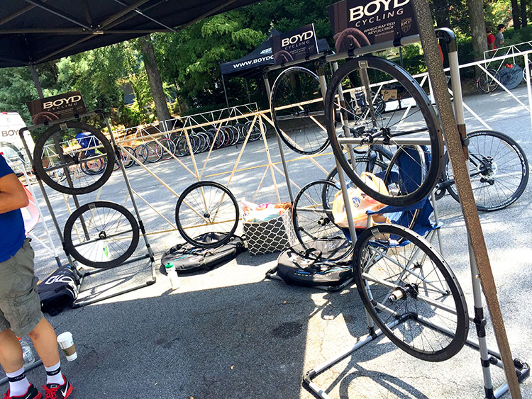 Boyd had a stand at the Grant Park Crit. I've never tried their wheels but am itching to.