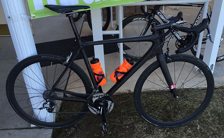 More understated bike. This one with SRAM TT Chainrings. I LIKE THESE CHAINRINGS.