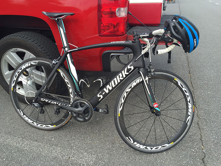 A nice, classic S-Works. This may be one of the team paint schemes, maybe Etixx?