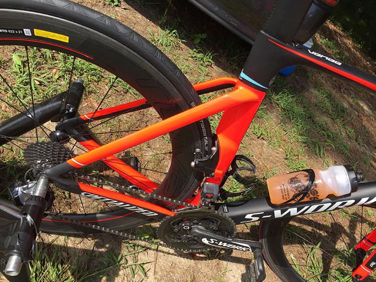 I like the orange rear triangle paint job.