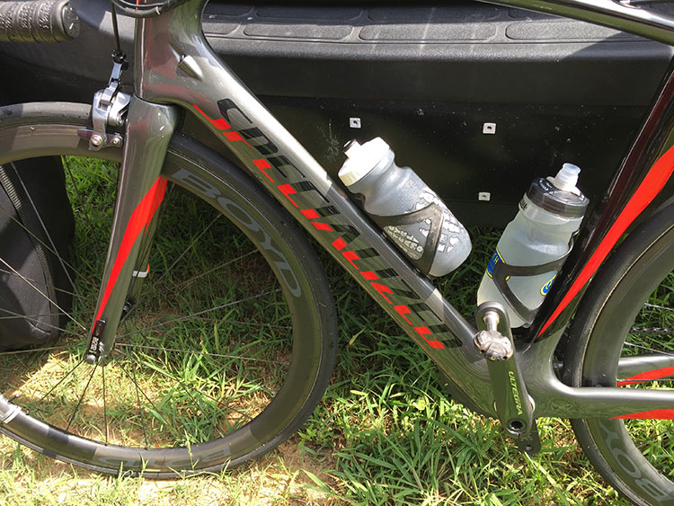 Looks like a downtube cable is not in use - maybe switched to electronic shifting?