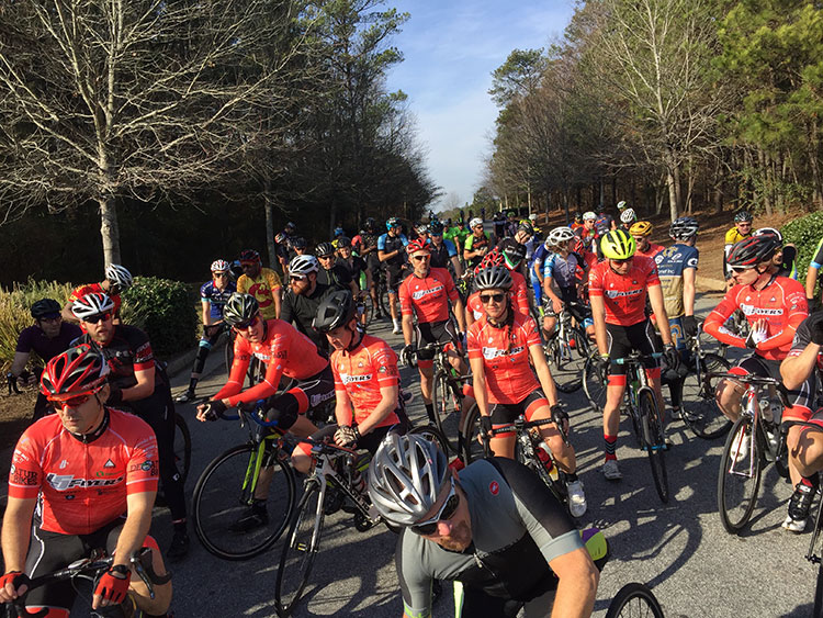 The beautiful weather brought a huge turnout for Airport. At least 100 cyclists, maybe up to 150 - hard to say.