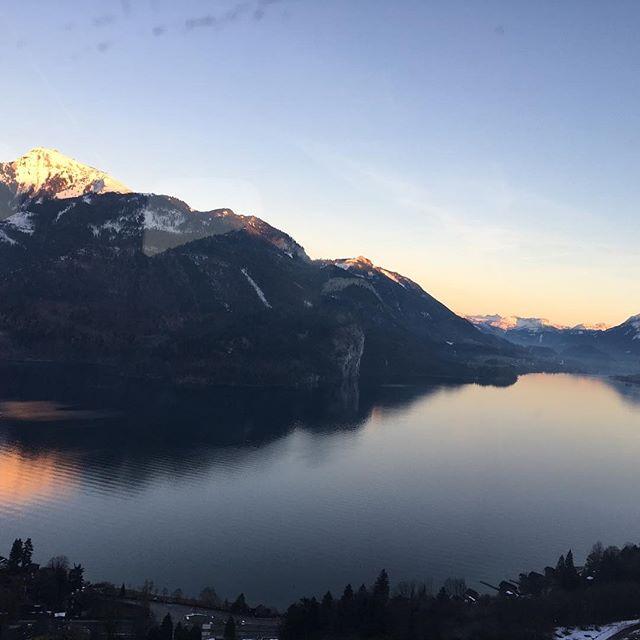 Enjoying a Beariggood Gondola ride with an amazing sunset ❤️❤️❤️ #bearigworld #beariggood #nofilter #sunset #sunsetinthemountains