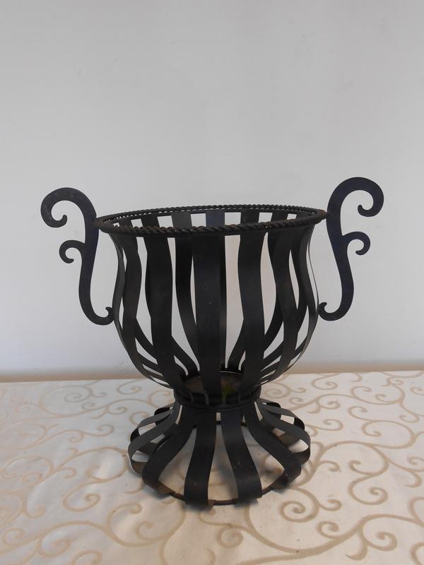 Metal strap urn