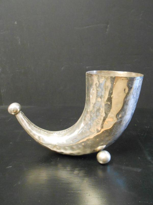 Silver horn