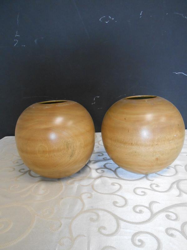 Round wood bowl