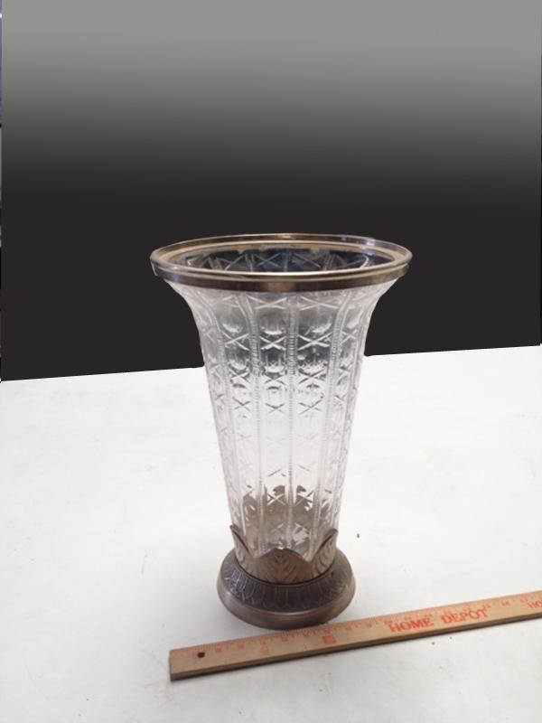 Crystal vase with silver rim