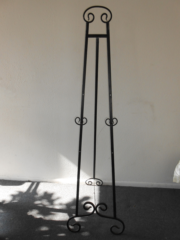 Black metal easel scroll