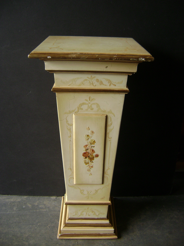 Italian painted wood cream pedestal