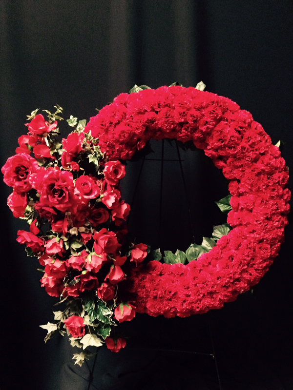 Red rose and carnation wreath