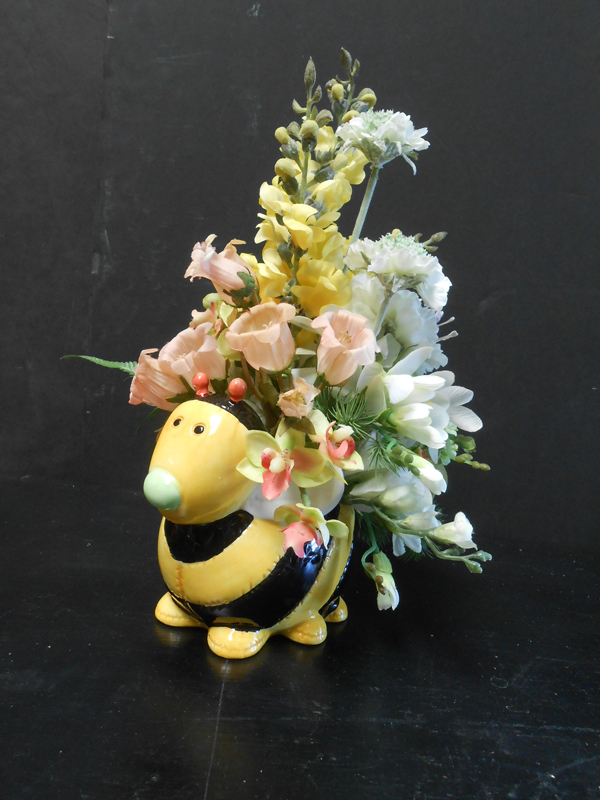 Bumble bee floral