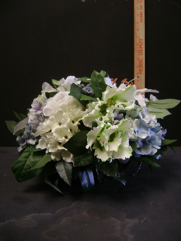 Whites and blues centerpiece