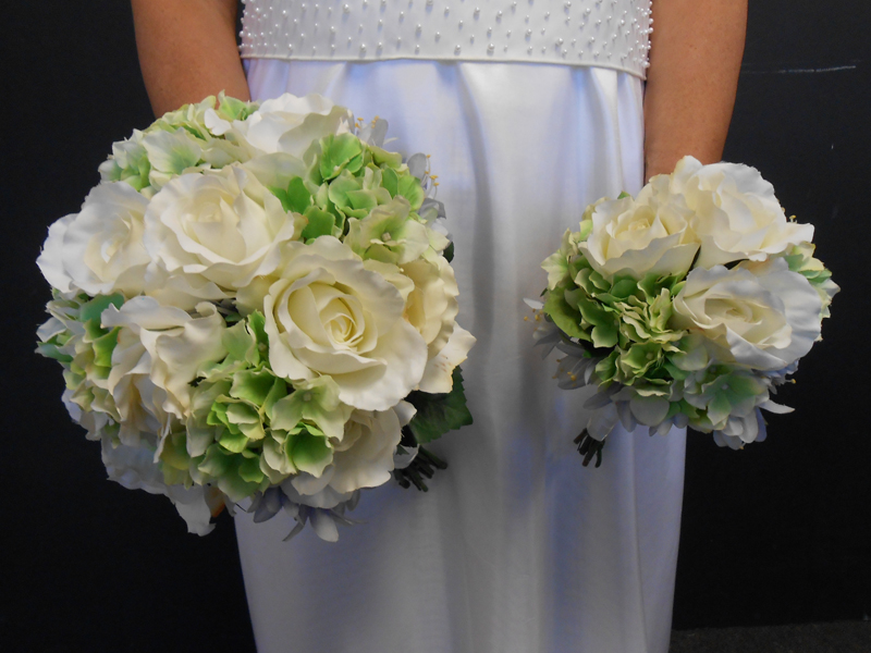 Bridal bouquet with withe green and a touch of blue