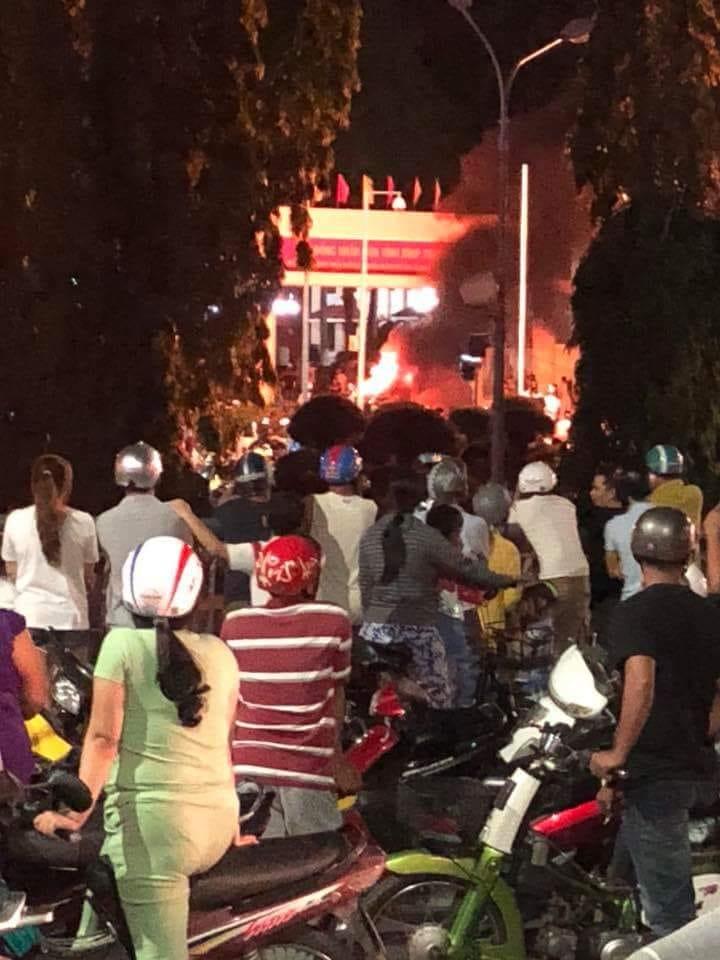 Tức nước vỡ bờ tại Phan Rí, Bình Thuận. Hình ảnh lấy từ internet.