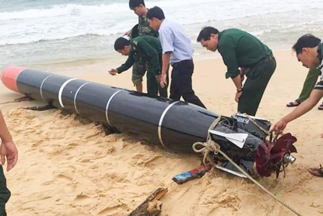 Ngư lôi của Trung Quốc do ngư dân Việt Nam vớt lên trong vùng biển của Việt Nam. Nguồn FB Do Nga.