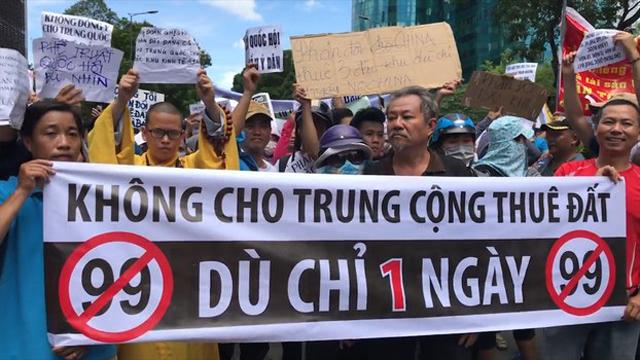 Người dân biểu tình chống luật an ninh mạng. Nguồn internet.
