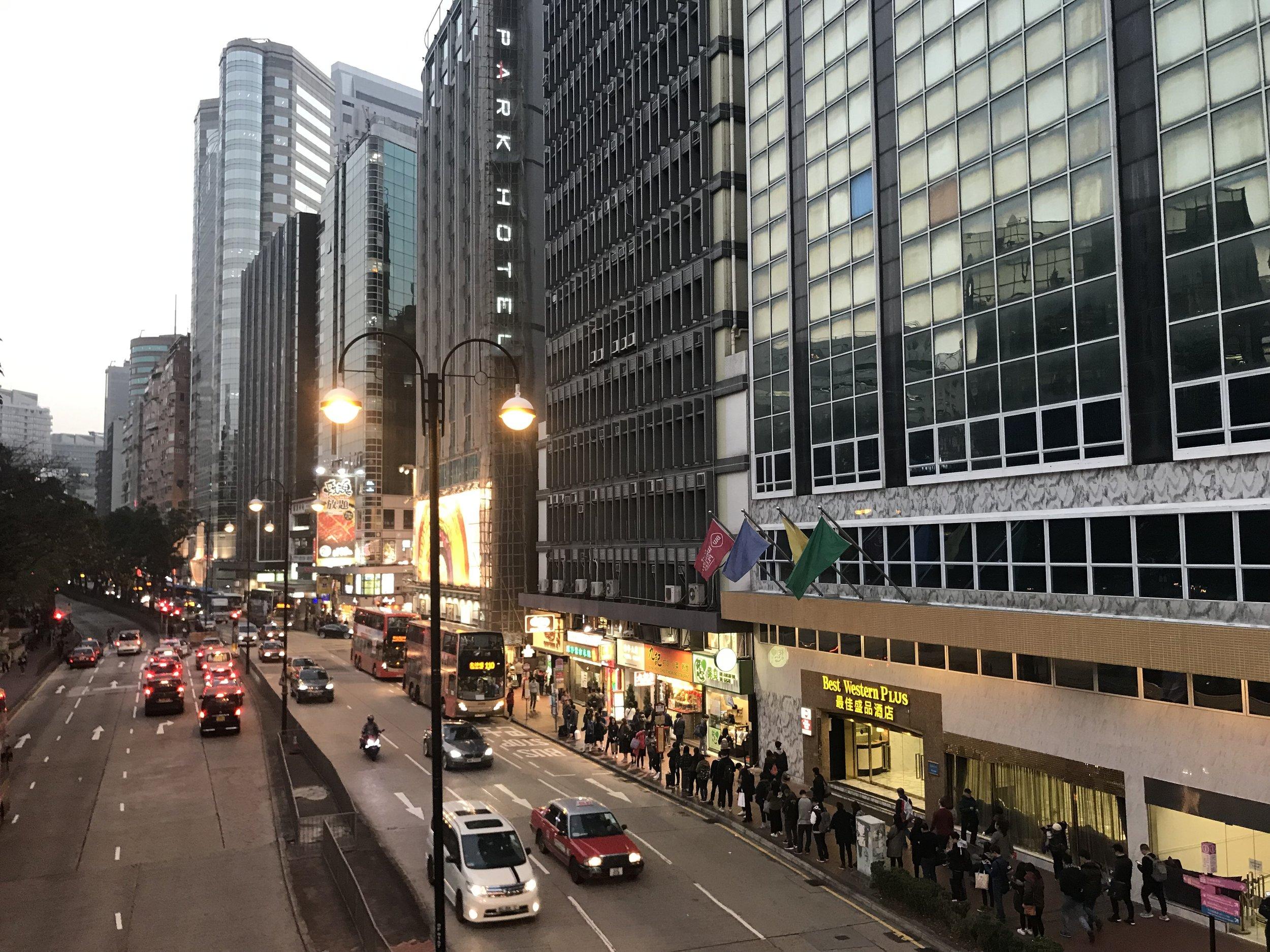 Kowloon về đêm.