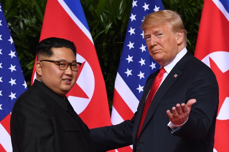 Tổng Thống Donald Trump và Chủ Tịch Bắc Hàn Kim Jong Un. Nguồn internet.