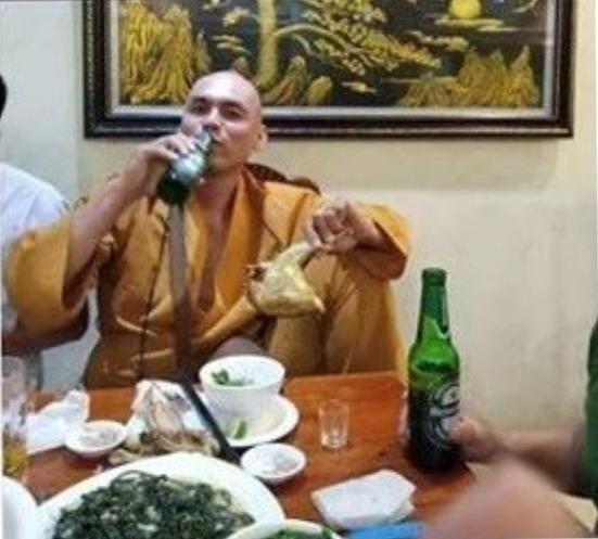 Sư quốc doanh. Nguồn Huỳnh Ngọc Chênh.