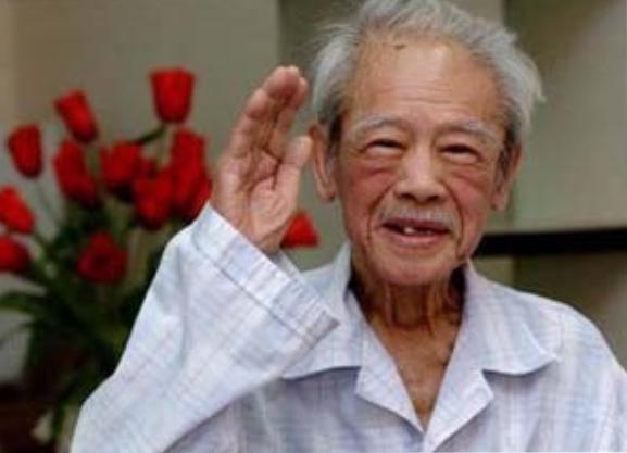 Vũ Kỳ thư ký riêng của Hồ Chí Minh. Nguồn Tễu Blog.