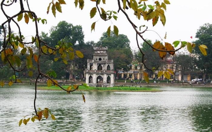 Hồ Hoàn Kiếm, Hà Nội. Nguồn internet.
