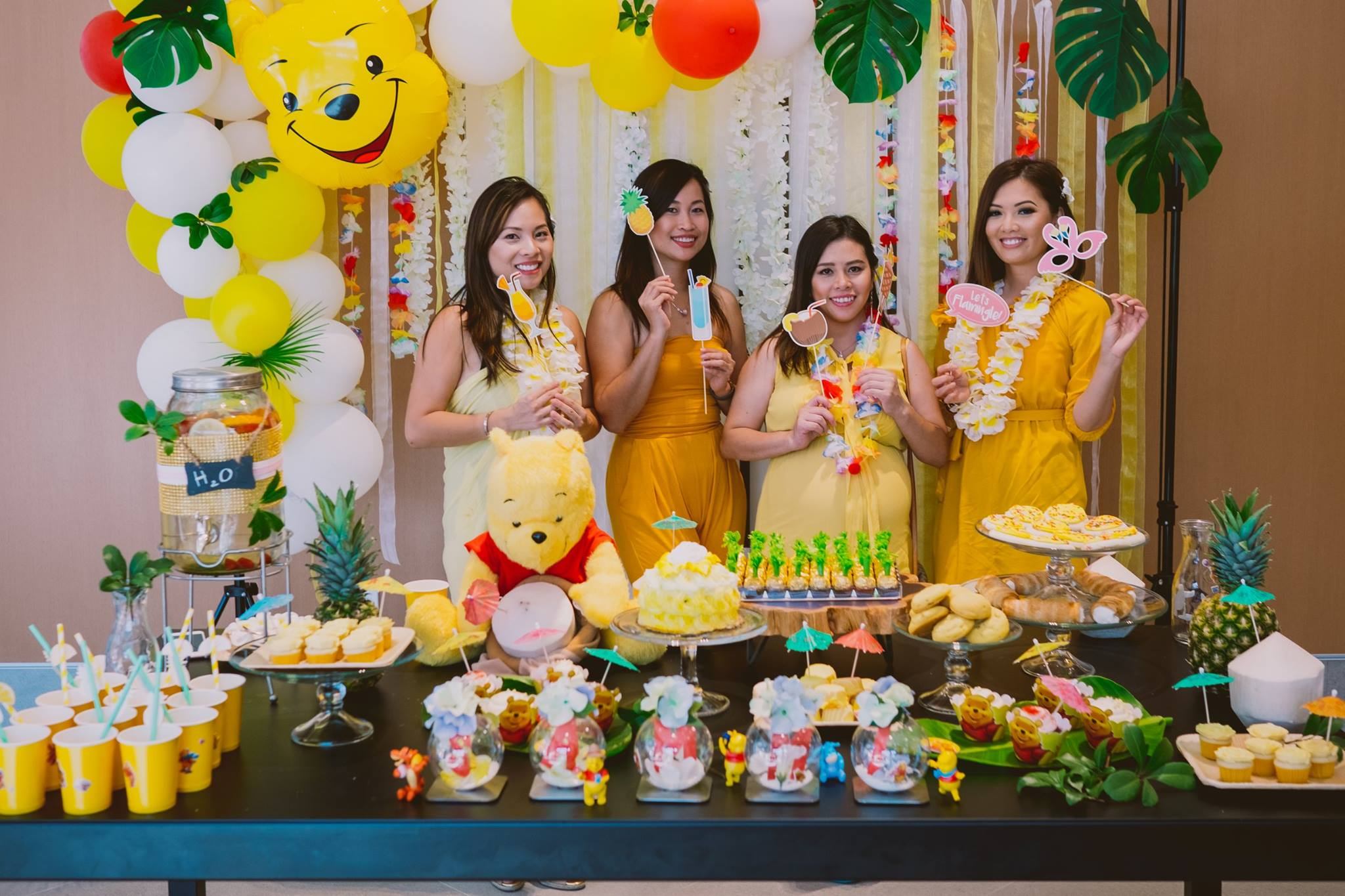 WINNIE THE POOH ON TROPICAL VACATION PARTY THEME