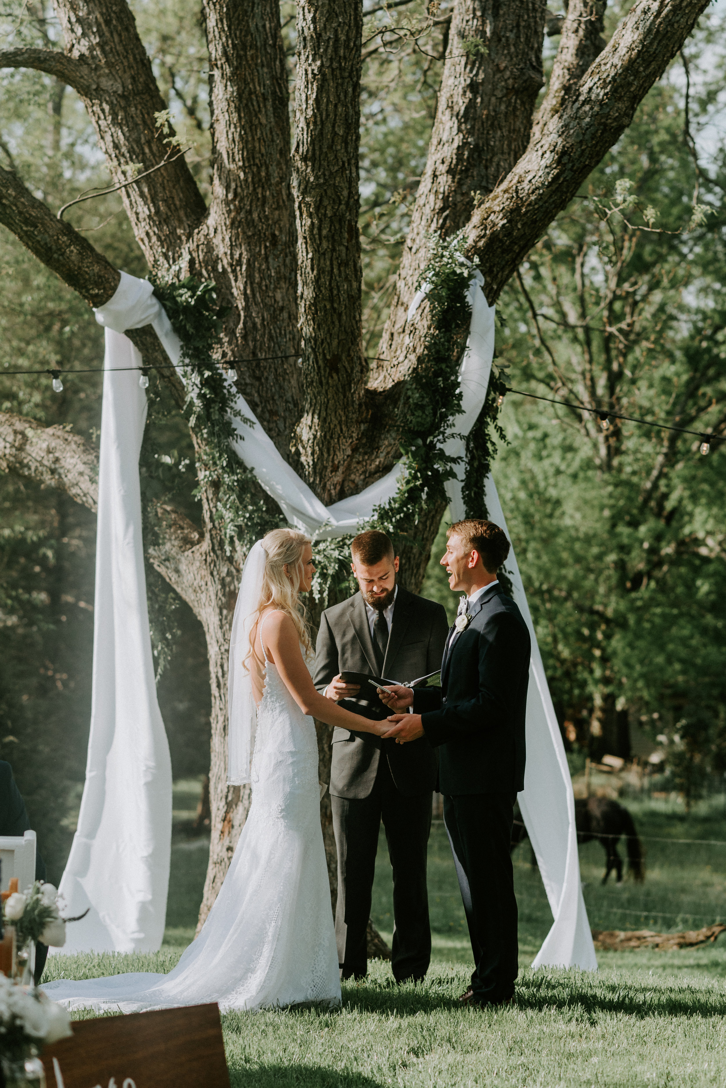 WonderlyCreative_Wedding_4.28.18_Lauren&Josh_-615.jpg