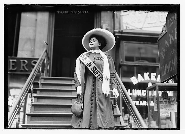 Suffragette Trixie Friganza Descending Steps in New York 1908.jpg
