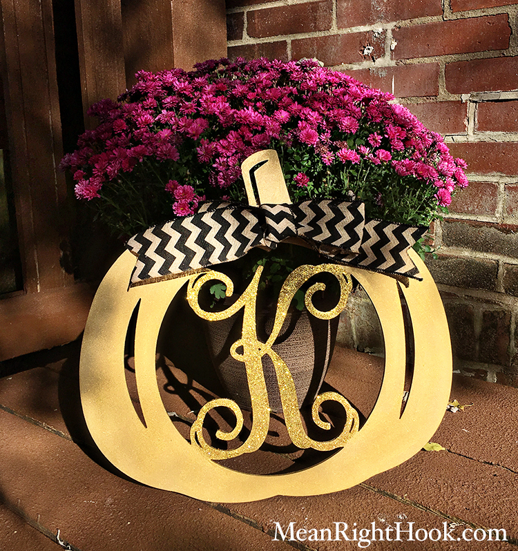 Wooden Pumpkin Door Wreath | MeanRightHook.com