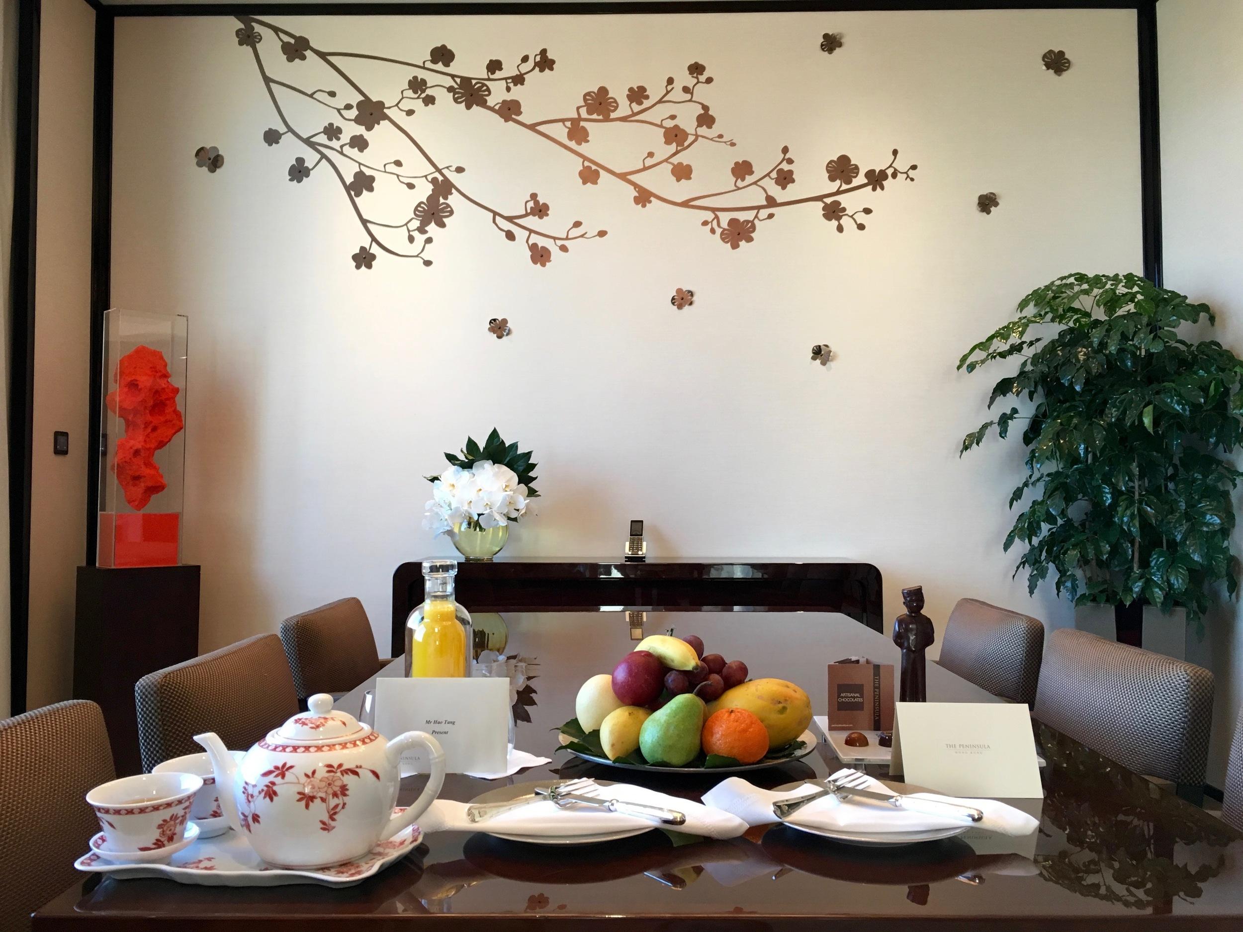 Generous welcome amenities (tea, fruit, juice, truffles and the signature chocolate bellboy).