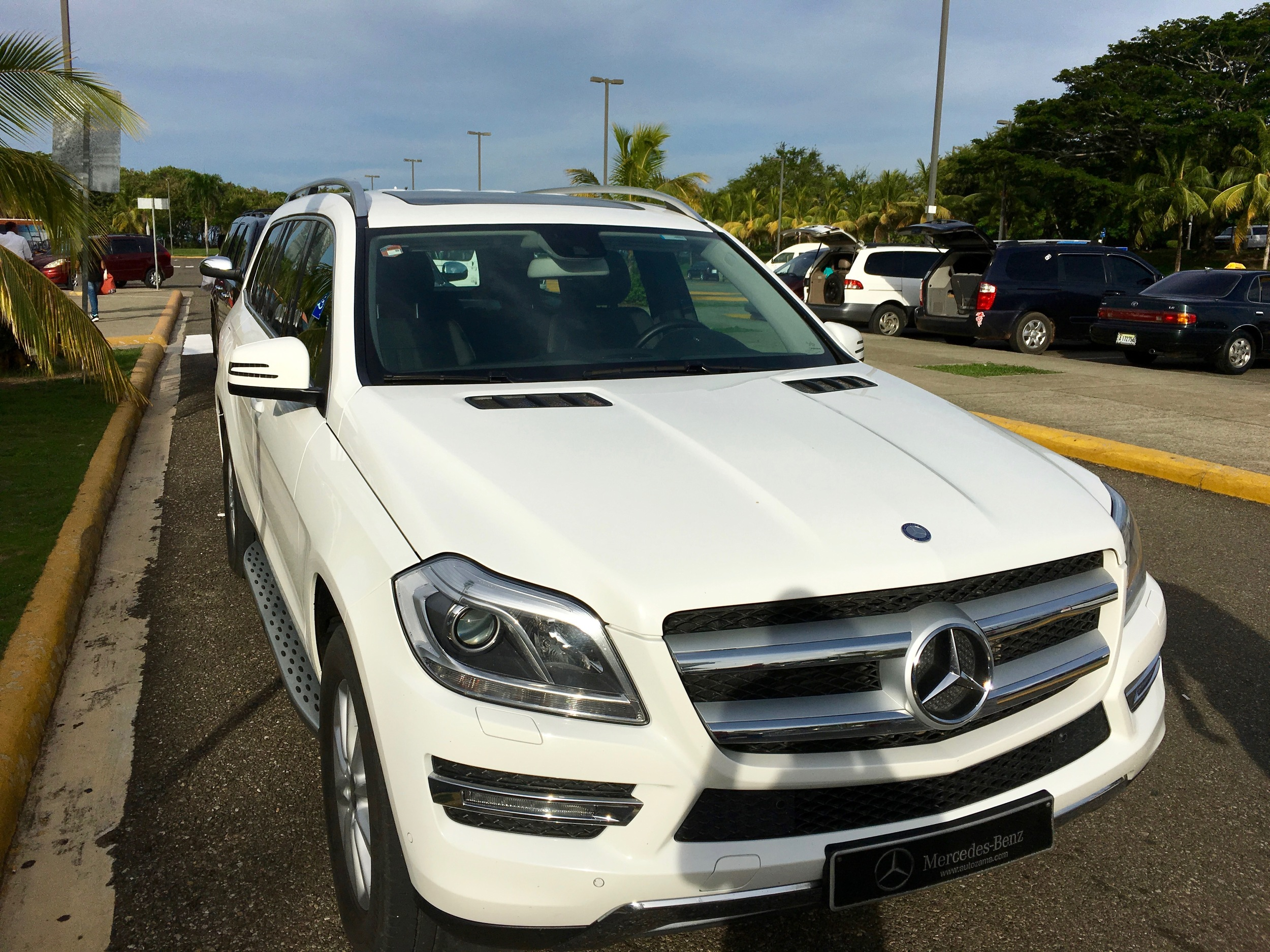 Mercedes GL is the standard transfer viehcle and included in the nightly rates