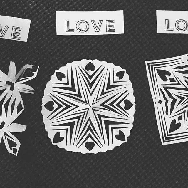 Did not mean to manifest real ones. 🤭❄️😂 • • • #secrettalent #snowflakes #snow #newengland #newenglandweather #newenglandwinter #holidaydecorations #seasonal #makeart #meditate #offthemat #betweenyogaclasses #decadentwellness #athome  #love