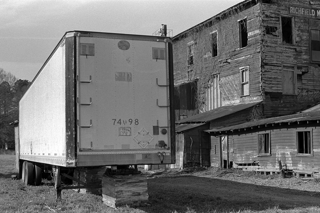 feed mill truck_web.jpg