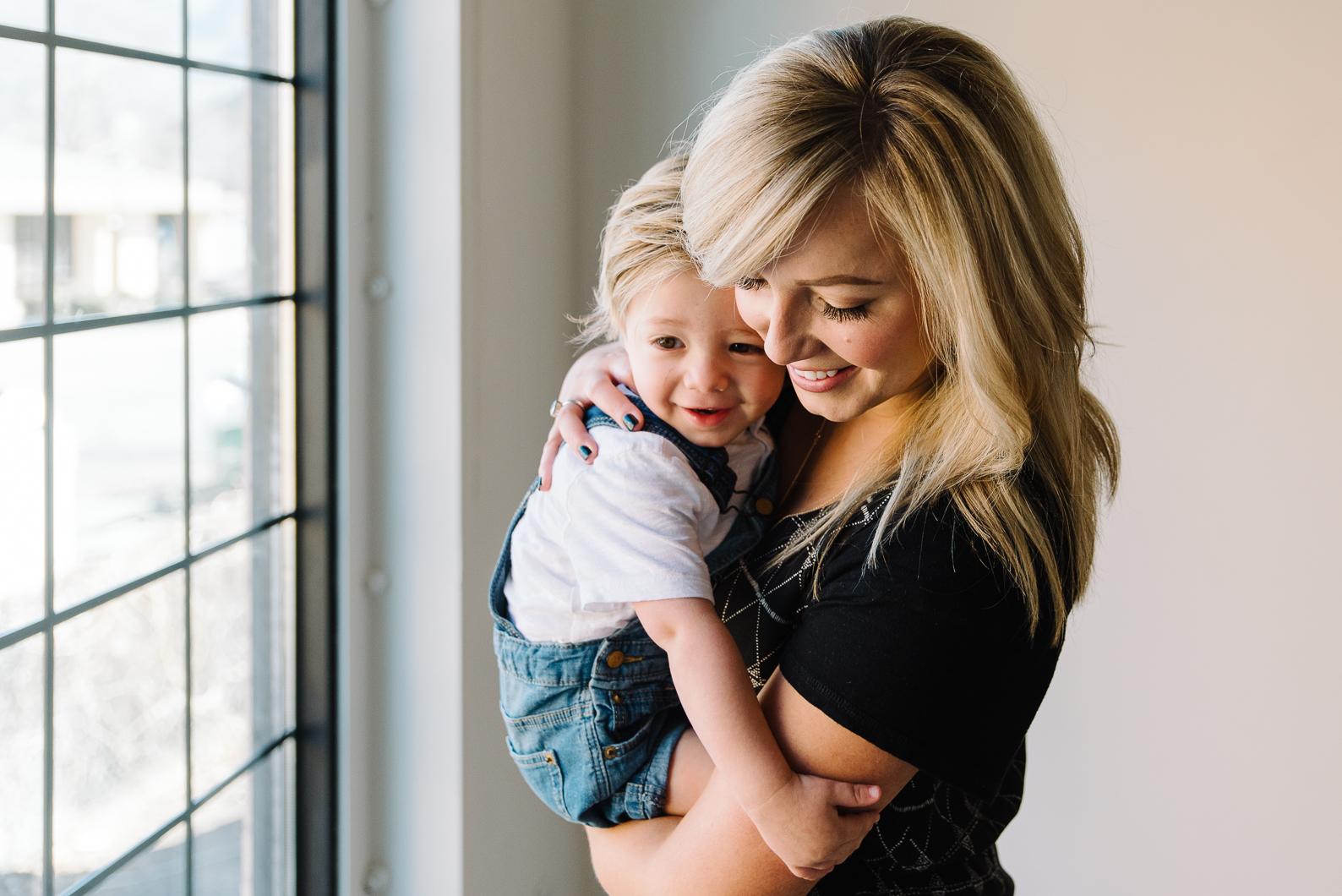 MotherhoodSession-14.jpg
