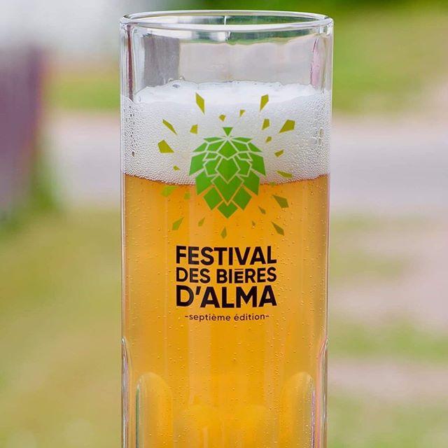 Savais-tu qu'il te faut le bock officiel de l'édition 2019 pour goûter aux bières et cocktails cette année? Si tu le veux à rabais, la prévente se termine le 15 juillet et le lien est dans la bio 😊🍻 #bieresalma #microbrasseries #festival #festivaldesbieresdalma #alma #bièresalma #craftbeerfestival