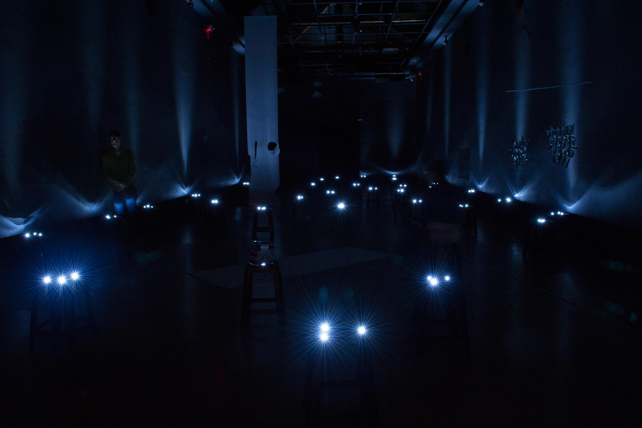View of the installation at the Center for Contemporary Art, Quito -Ecuador, 2015.  Vista de la instalación en el Centro de Arte Contemporáneo de Quito, Ecuador 2015.  Design/diseño: Victor Hoyos  50 min. Dimensiones variables