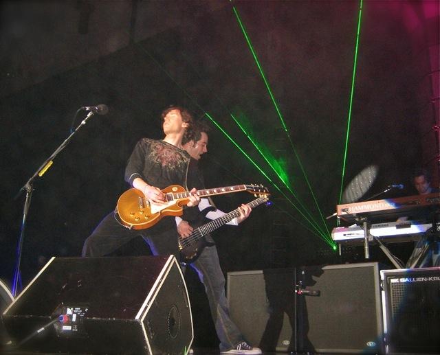 Duff-laserpose.jpg
