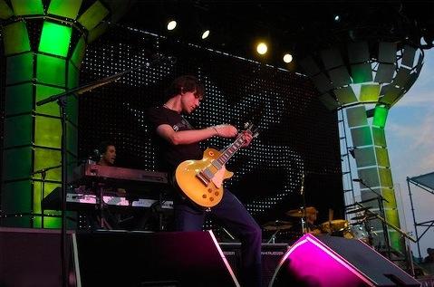 Duff-greenstage.jpg