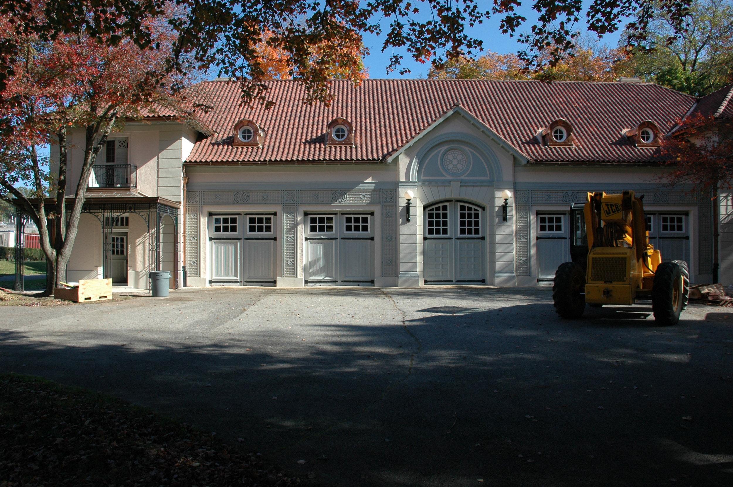 Nemours Chaffeurs garage